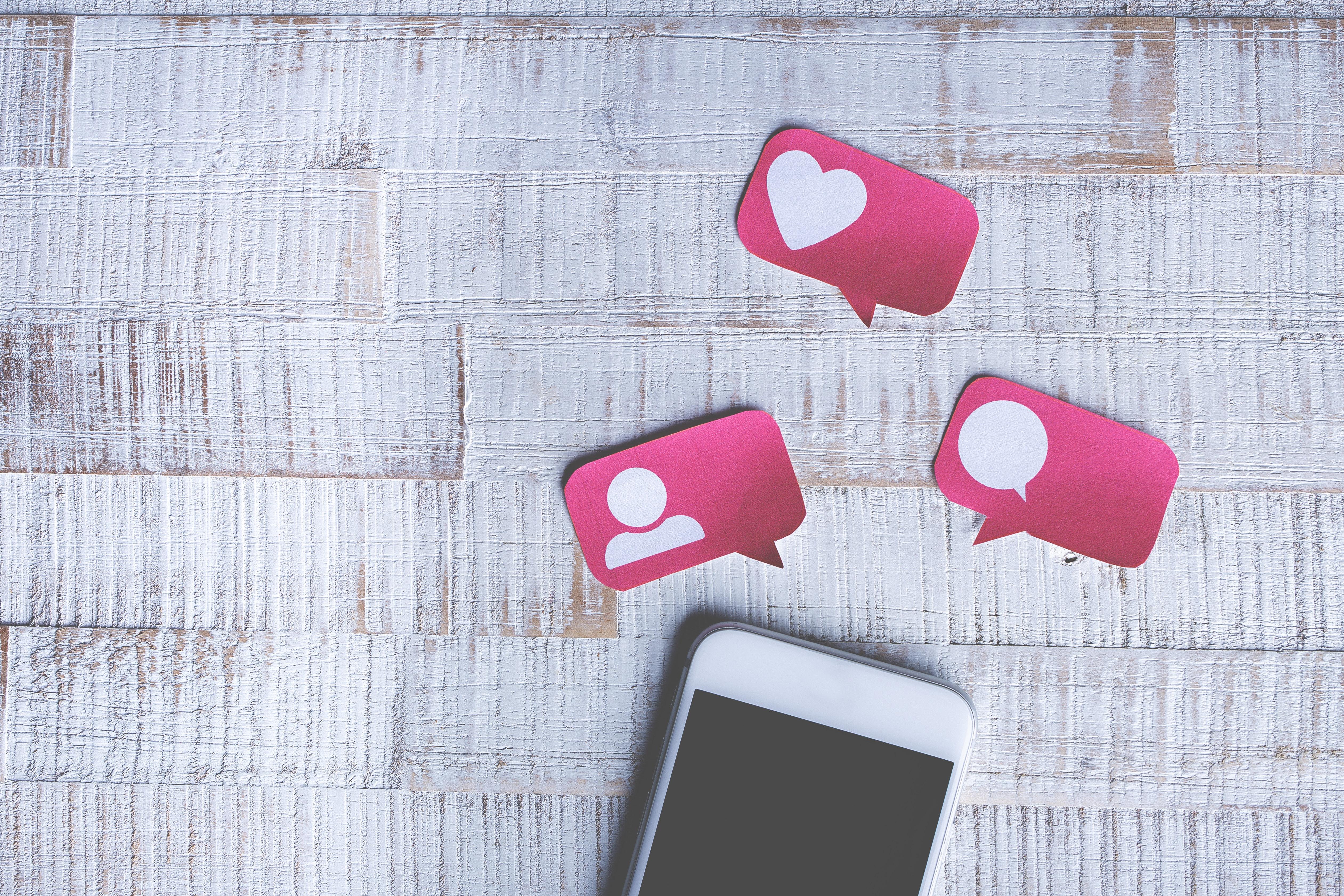 Handy Social Media